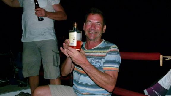 Brandy zu Besuch auf der Shark, er weiß was gut ist :)