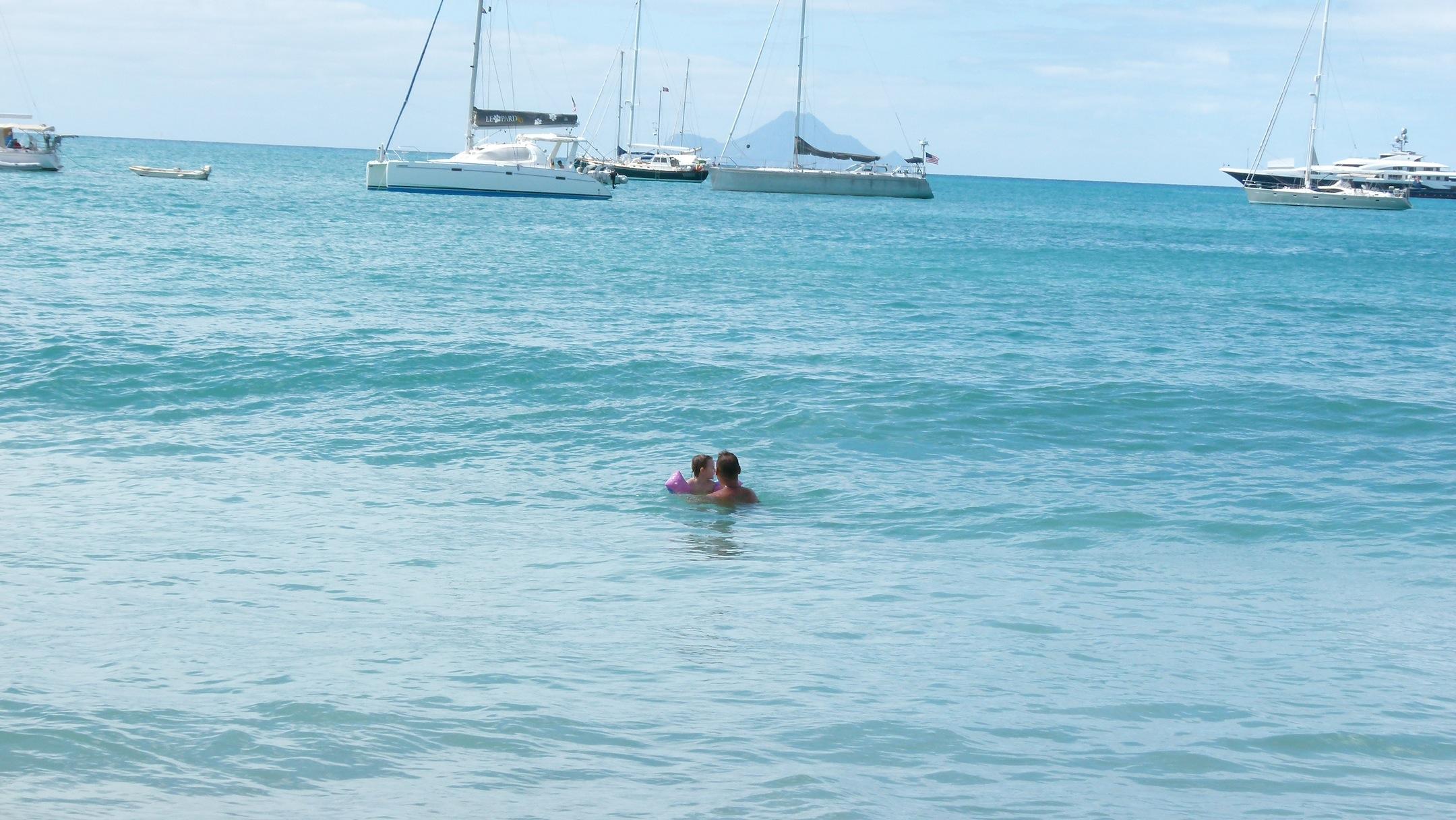 Juli lernt Bodysurfen